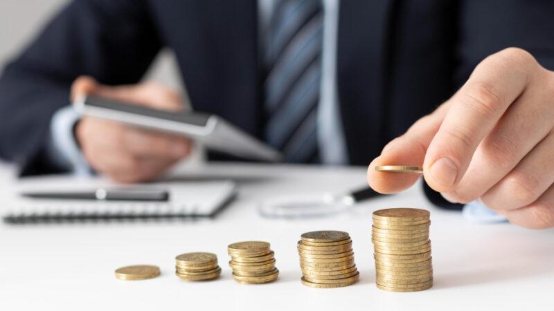 Conheça as características da ação preferencial e saiba quando investir